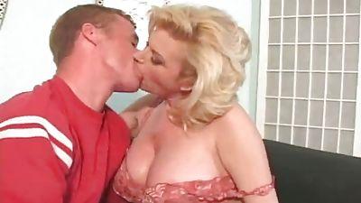 Amazing blonde mummy fucking younger rod and taking facial cumshot