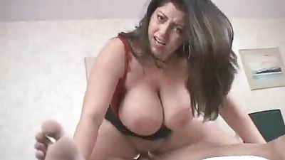 Fat honey with big natural tits getting and fucking facial cumshot