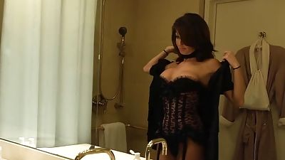 Veronica Avluv Treats Her Neighbor To The Ride Of His Life
